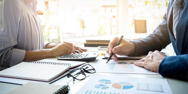 Os riscos jurídicos de demitir e recontratar na modalidade de contrato intermitente.